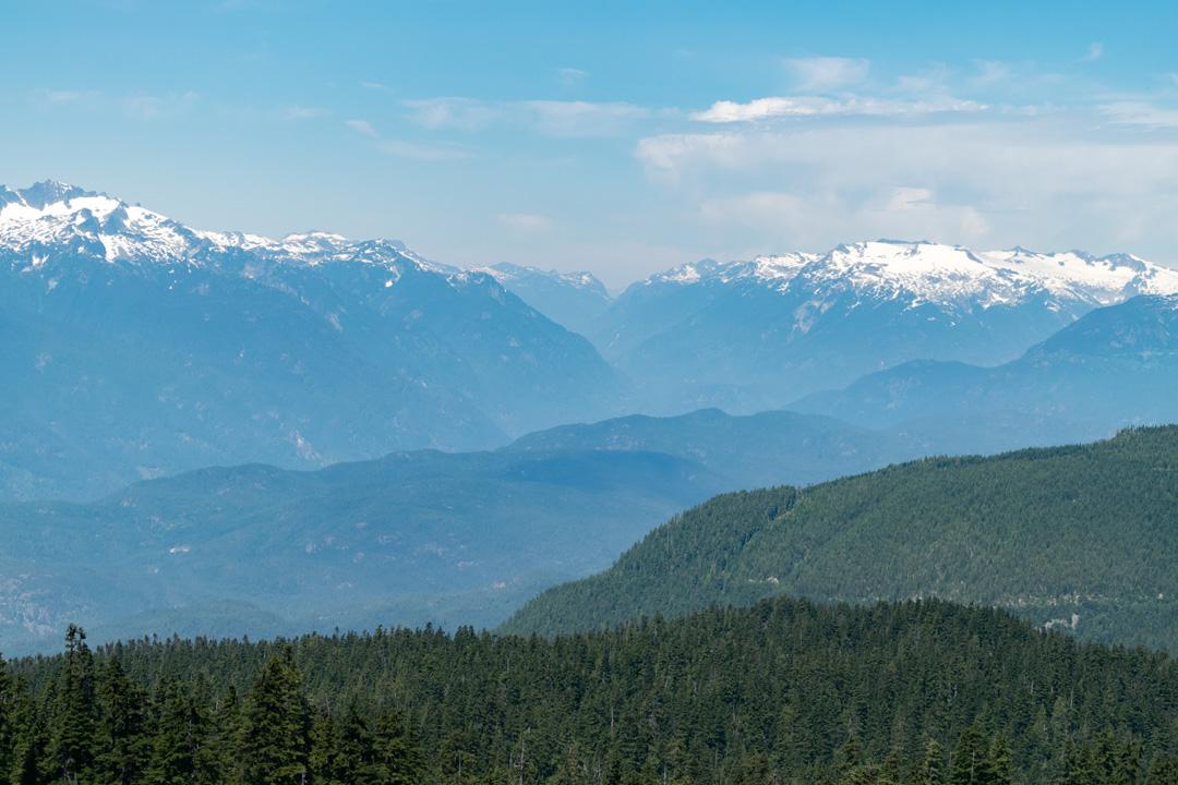 Elfin-Lakes-mountain-layers