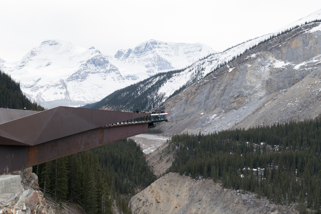 Banff-Jasper-glacier-skywalk